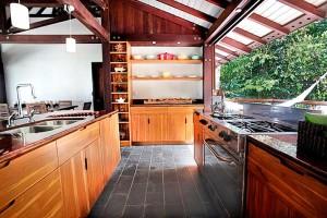 Casa-Jungua-Kitchen2