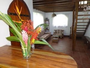 Osa Tropic living room
